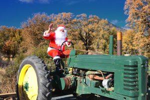 santa-on-tractor-1